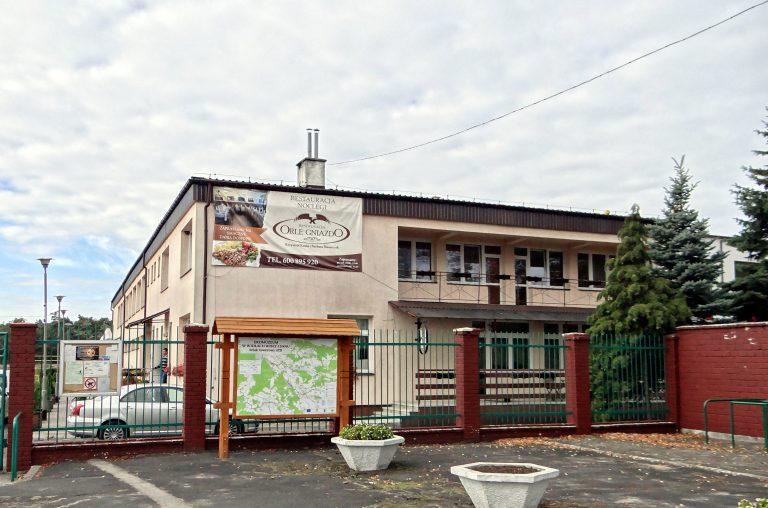 Rudnik_nad_Sanem_-_Hotel_i_Restauracja_Orle_Gniazdo_-_budynek_01-e1510591081439